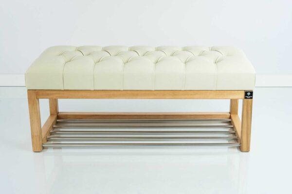 Sitzbank Chesterfield M-DEKO LPP-4 nach Maß aus Holz, mit Schuhregal und gestepptem Sitz aus ecrufarbigem Kunstleder