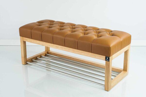 Sitzbank Chesterfield M-DEKO LPP-4 nach Maß aus Holz, mit Schuhregal und gestepptem Sitz aus braunem Kunstleder