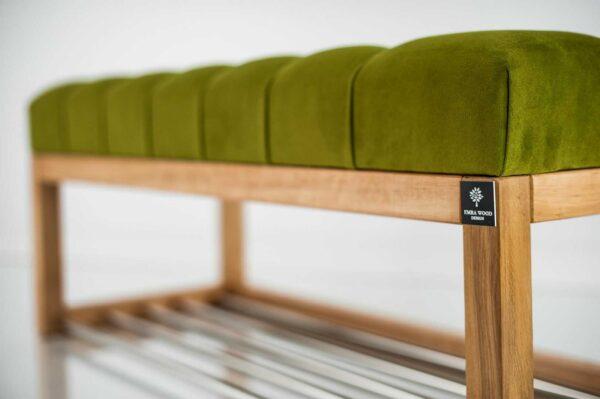 Sitzbank Chesterfield M-DEKO LPP-4 nach Maß aus Holz, mit Schuhregal und gestepptem Sitz aus pistaziefarbigem Velours