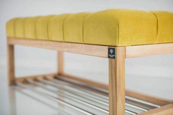 Sitzbank Chesterfield M-DEKO LPP-4 nach Maß aus Holz mit Schuhregal und gestepptem Sitz aus gelbem Velours