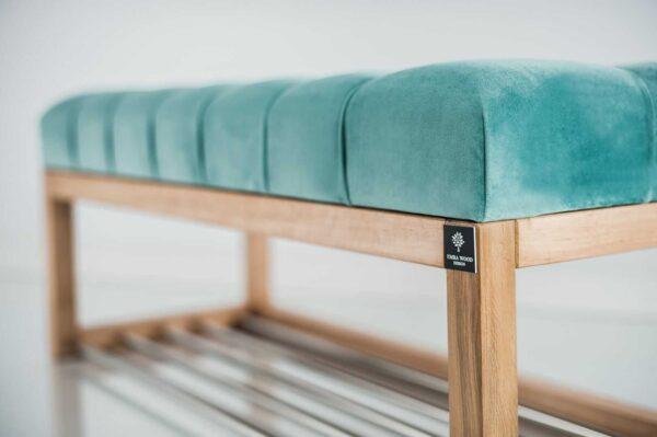 Sitzbank Chesterfield M-DEKO LPP-4 nach Maß aus Holz mit Schuhregal und gestepptem Sitz aus minzfarbigem Velours