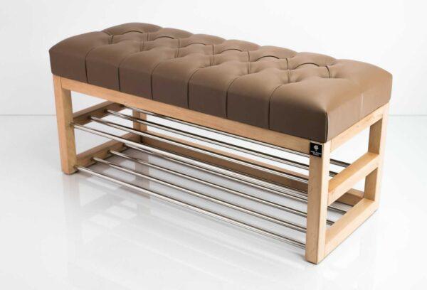 Schuhbank Chesterfield M-DEKO LPP-5 nach Maß aus Holz, mit zwei Schuhregalen und gestepptem Sitz aus hellbraunem Kunstleder