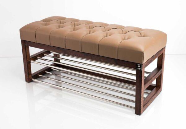 Schuhbank Chesterfield M-DEKO LPP-5 nach Maß aus Holz, mit Schuhregalen und gestepptem Sitz aus hellbraunem Kunstleder