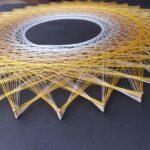 fb4-sonne-fadenbild-gelb-weiss-auf-schwarz-string_art-m-deko-1