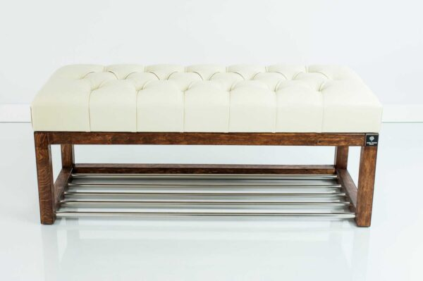 Sitzbank Chesterfield M-DEKO LPP-4 nach Maß aus Holz, mit Schuhregal und gestepptem Sitz aus altweißem Kunstleder