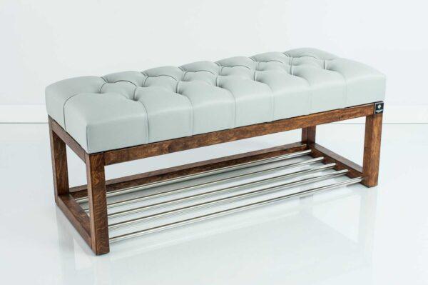 Sitzbank Chesterfield M-DEKO LPP-4 nach Maß aus Holz, mit Schuhregal und gestepptem Sitz aus hellgrauem Kunstleder